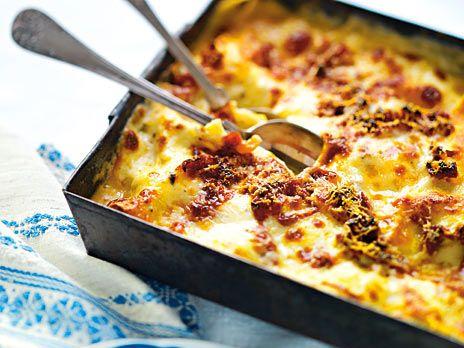 Vegetarisk lasagne med mozzarella och spenat.
