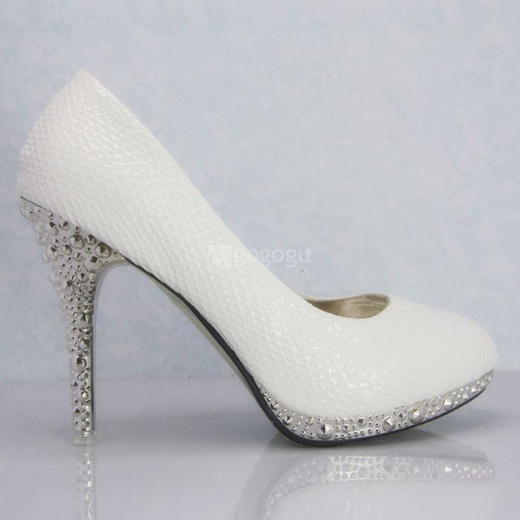Białe buty na obcasie z białe buty ślubne buty ślubne węża