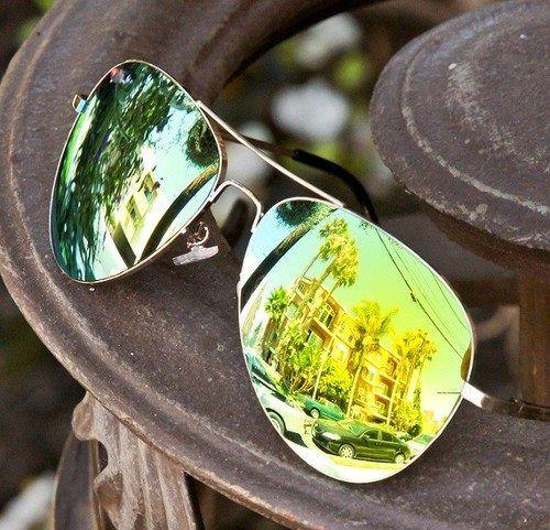 http://www.sense-shop.gr/products/aviator-green-mirror-sunnies/