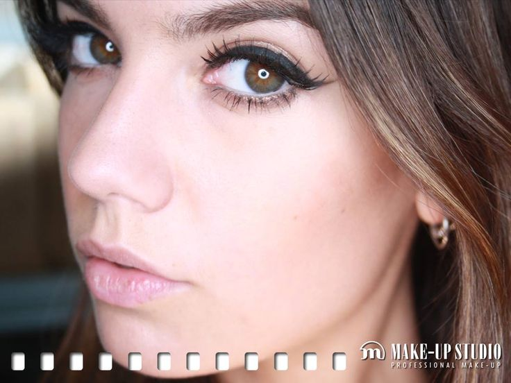 Our MUA Maxime from Make-up Studio The Hague knows how to make her eyes stand out with a strong line and a pair of natural fake lashes! Available at http://www.make-upstudio.nl/make-up/ogen/wimpers/basic