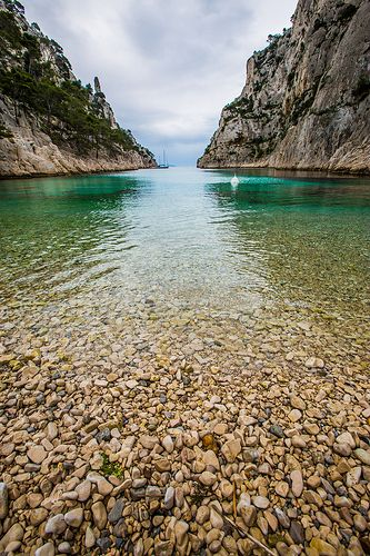 Calanque d'En-vau... la plage de caillou