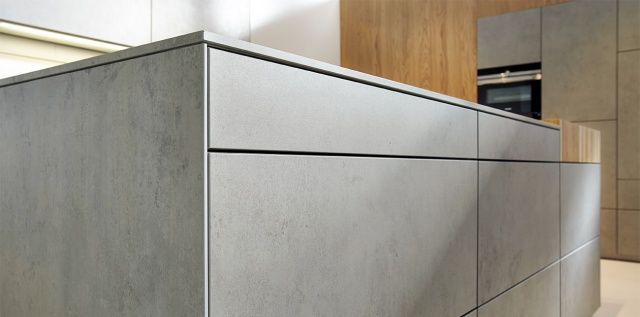 Fot. NX 950 z ceramiki imitującej szary beton (C2075), next125
