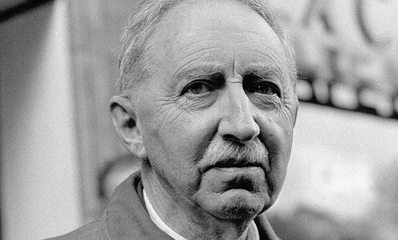 e m forster what i believe essay Tolerance by em forster surely the only sound foundation for a civilization is a sound state of mind architects, contractors, international commissioners, marketing boards, broadcasting corporations will never, by themselves, build a new world.