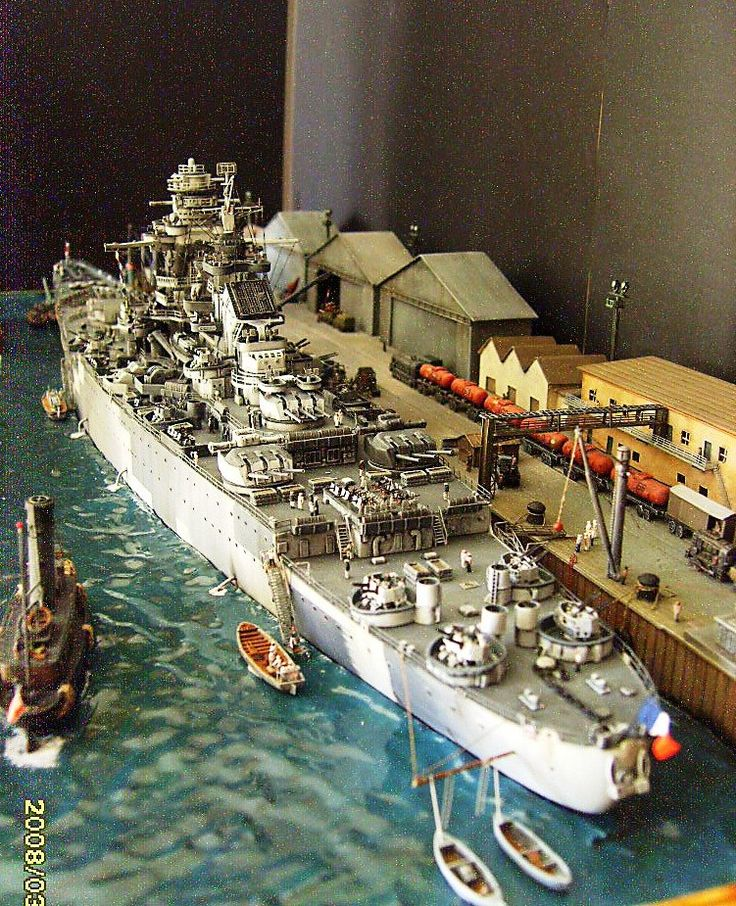 """1/350th Scale - French Battleship """"Le RICHELEU"""" in New York, Harbor (1943) (Trumpeter) (1)"""
