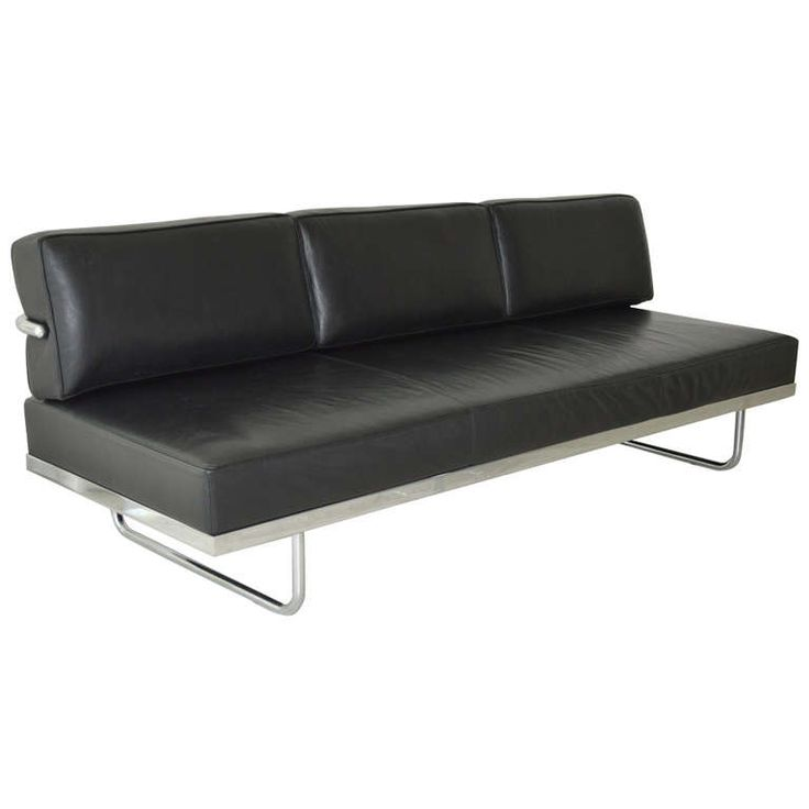 le corbusier lc5 sofa day bed by cassina le corbusier modern sofa and day bed. Black Bedroom Furniture Sets. Home Design Ideas
