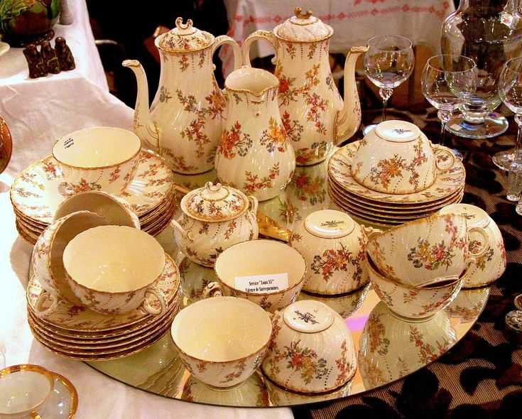 3650 best tea sets images on pinterest for Carrelage faience ancienne