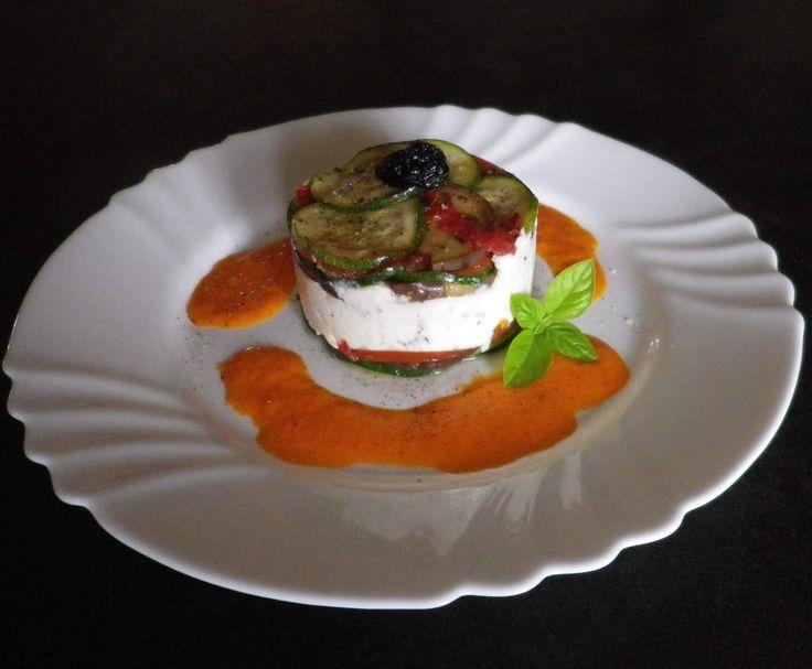 Recette Bavarois de chèvre aux légumes d'été et son coulis de poivron par madaboutfood - recette de la catégorie Entrées