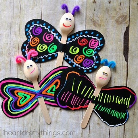 Outside may be covered with snow, but inside we're looking forward to spring by making these bright and colorful spoon butterflies with @funchalk. Find a link in my profile today to read how we made them. #iheartcraftythings #kidcraft #butterfly