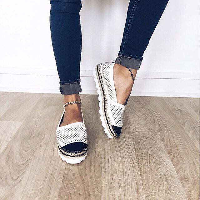 Dune London Instagram - Shop Georgina #dunelondon #startwiththeshoes #ladies #espadrille #white #black #shoes #leather