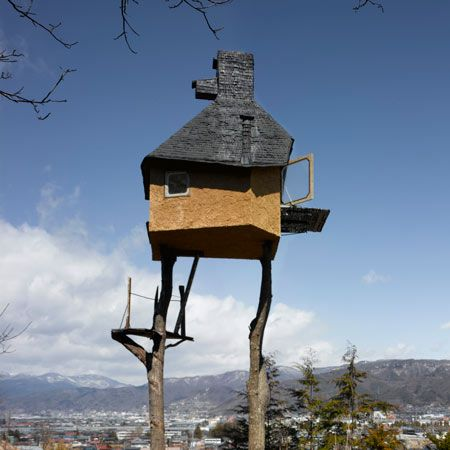 Not a house to live in, but a tree house by Terunobu Fujimori.  This would have been one cool playhouse to have growing up!  #treehouse #fujimori