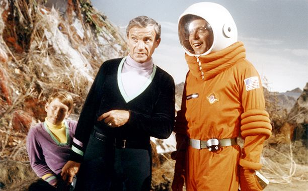 """[ew_brightcove videoid=""""5012389979001"""" pushTop autoPlay] Reboot mania continues at Netflix.  The streaming service announced on Wednesday that it has ordered a first season of Lost in Space."""