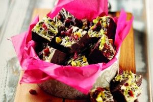Recipe: A Rich and Delicious Cranberry and Caramel Fudge