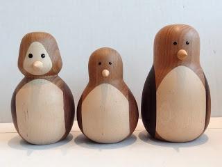 A´maries blogg: Svarvade pingviner i olika träslag