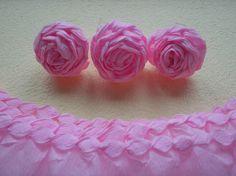 Kursy krok po kroku - rękodzieło: Kurs krok po kroku - róże z bibuły, z brzegiem z plisy.