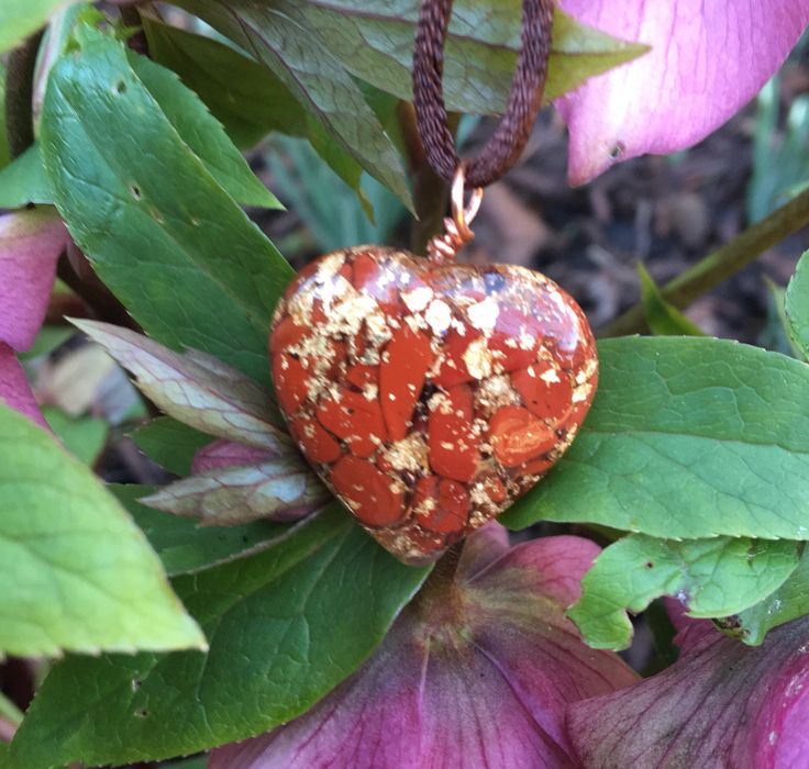 Orgone heart pendant with Red Jasper and Gold Leaf gor healing, reiki, protection, emf protection and spiritual development by Alouminite on Etsy