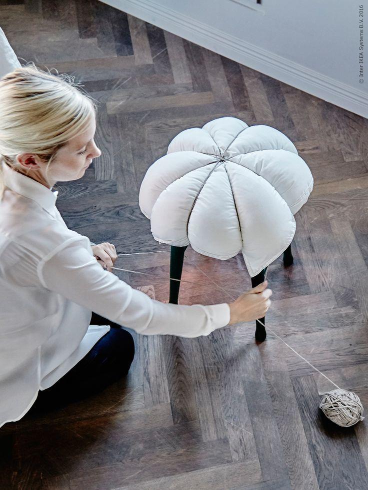 Varför inte förnya en gammal pall med hjälp av en kudde och grov tråd? Klicka på bilden för att ta reda på hur!