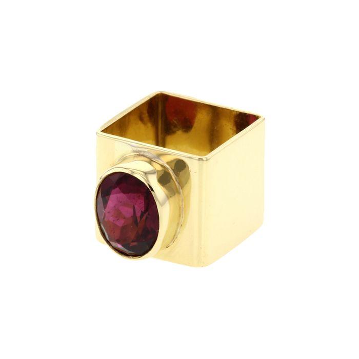 Rouge passion pour cette bague en or jaune et tourmaline Cartier par Dinh Van chez Collector Square