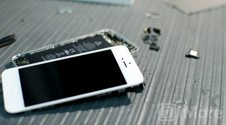 How to replace a cracked screen on an iPhone 5