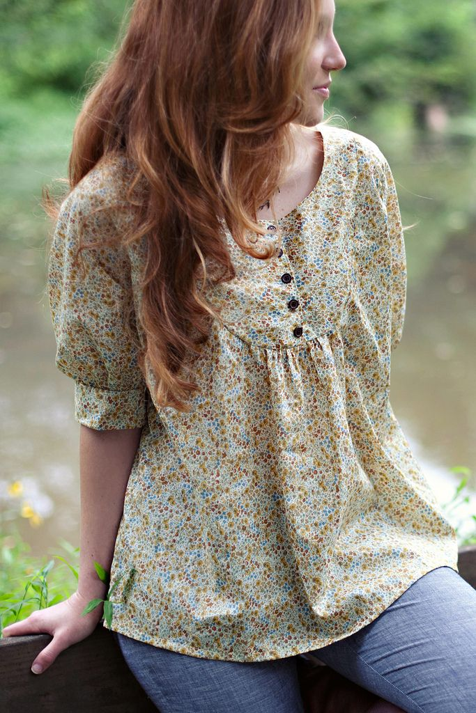 I want to make me a top like this!!! Esme Top Sewing Pattern