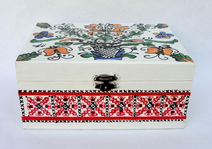 """Cutie+pentru+bijuterii+""""Red+Traditional+Designs"""""""