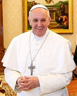 """#frasedodia  """"Lembremo-nos de que ódio, a inveja, o orgulho sujam a vida, (...) há necessidade de ver a luz da esperança""""   Papa Francisco"""
