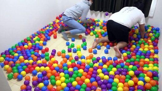 1000個の大量エアボールで部屋いっぱいに埋め尽くしてみた http://ift.tt/2o0Xka9