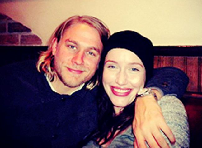 Charlie Hunnam and girlfriend - 35.6KB