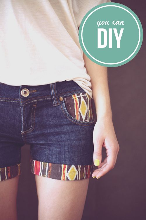 DIY Printed Details. ~~ ~~~ ~~!~~ ~~~ ~~ what a fun way to dress up shorts to match a top! Or even a pair of capri pants as well.