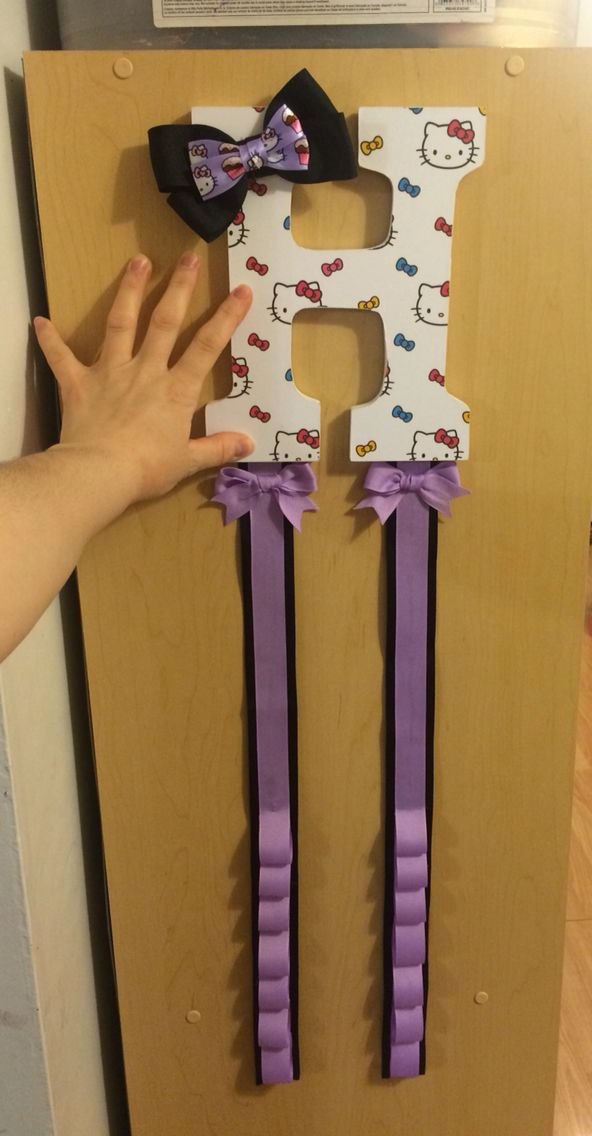 Letter H bow and headband holder