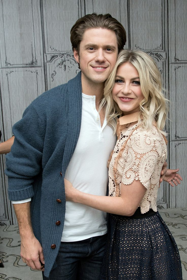 EXCLUSIVE: Julianne Hough talks snapping sexy pics in 'Grease: Live' costume to send to fiance Brooks Laich