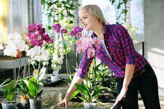 Où installer vos orchidées ? Comment arroser vos orchidées ? Quel type de cache-pot pour vos orchidées ? Quel substrat ou terreau pour vos orchidées ? Comment tailler vos orchidées après la floraison ?