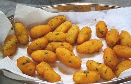 cazzilli, crocchette, potato croquettes, sicilian food, palermo