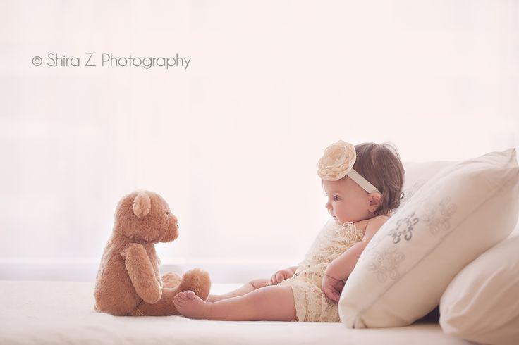 niedlich die Beiden: #Baby mit #Kuscheltier