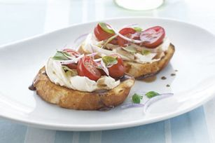 Tomato & Balsamic Bruschetta: Kraft Recipes, Balsamic Vinegar, Balsamic Bruschetta, Kraft Food, Red Onions, Cream Cheese, Healthy Living Recipes, Healthy Recipes, Bruschetta Recipes