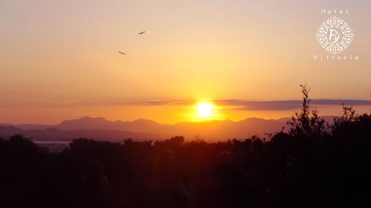 Che tramonto! - http://www.hotelbjvittoria.it   #tramonti #panorama #Cagliari #Sardegna