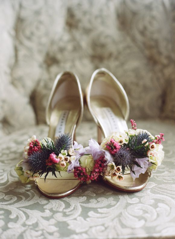 """Florals for the bride's shoes! Via @Wedding Sparrow - wedding blog post on """"How to use florals on your wedding day"""""""