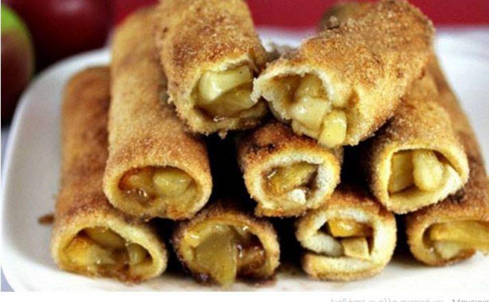 Ρολά με ψωμί του τόστ και καραμελωμένα μήλα στο φούρνο