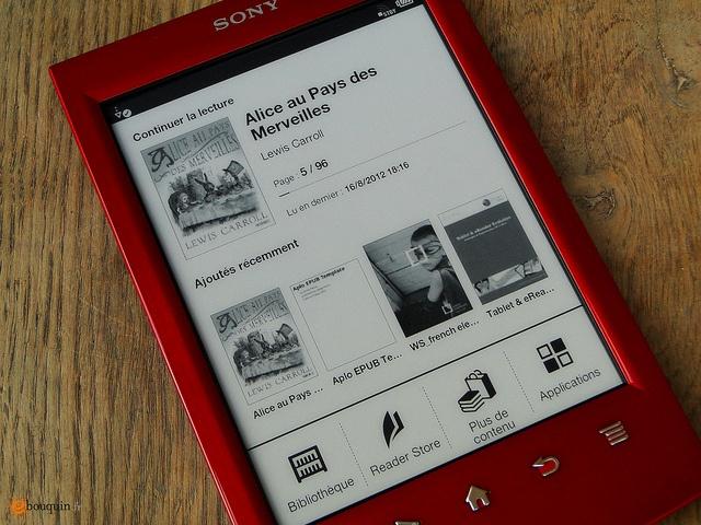 J'ai pu tester le Sony PRS-T2 en avant-première pendant une courte semaine. Entre points forts et déception, ce nouveau Sony Reader reste une référence en matière de reader E-Ink EPUB. Cependant, il est aussi le constat que le livre électronique n'est plus un produit phare de l'innovation Sony. Lire la suite http://www.ebouquin.fr/2012/08/17/test-sony-reader-prs-t2-un-nouveau-design-pour-une-liseuse-complete/#