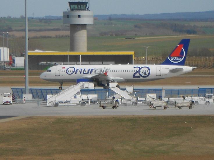 Charterflug mit Airbus A320 vom Flughafen Kassel in die Türkei.
