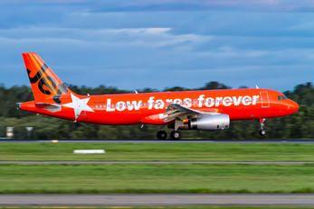 VH-VGF - Jetstar Airways Airbus A320 photo (47 views)