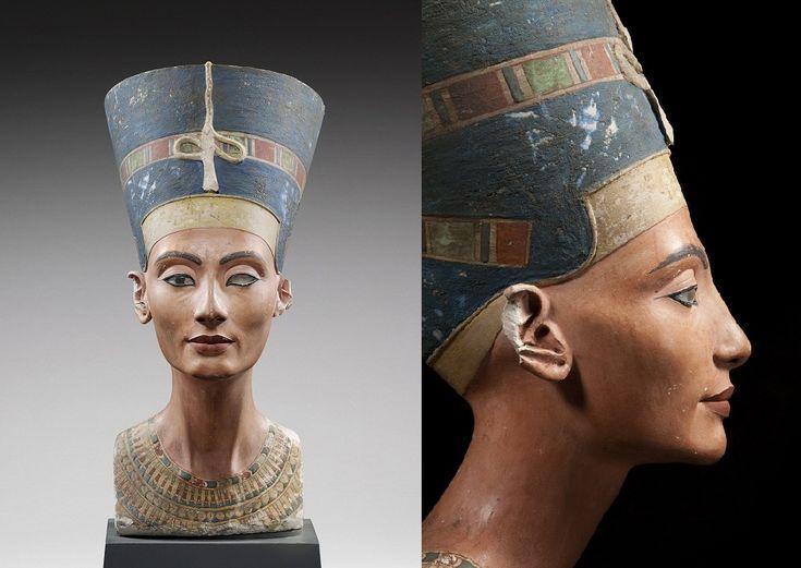 Busto di Nefertiti, II millennio a.C. Nuovo Regno. Scolpito a tutto tondo su pietra calcarea colorata. L'autore è Thutmose, il fedele scultore del re Akenathon, che è anche il marito della bellissima Nefertiti. Ritrovata a Saqqara, conservata al Neues Museo di Berlino. Mancano le rifiniture e l'occhio destro poichè non fu completata, infatti venne ritrovata nello studio dello scultore.