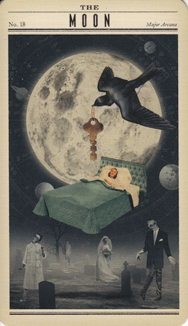 XVIII - La Luna - Tarot Zombie                                                                                                                                                                                 Más