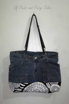 Great jeans to purse upcycle. Love the fabric bottom