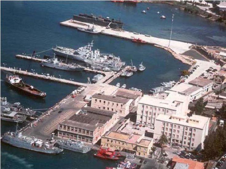 """""""Prioritario il rilancio dell'Arsenale di Taranto"""" - http://www.grottaglieinrete.it/it/prioritario-il-rilancio-dellarsenale-di-taranto/ -   Arsenale, piano Brin, sindacati - #Arsenale, #PianoBrin, #Sindacati"""