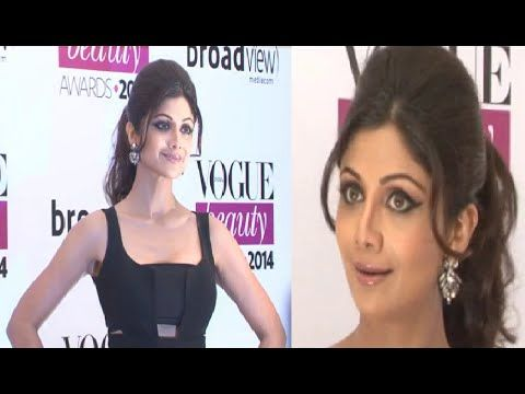 Shilpa Shetty DAZZLING in black outfit @ Vogue Beauty Awards 2014.