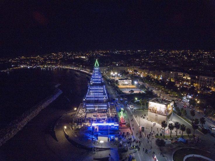 Che spettacolo Nalbero, 40 metri di luce sul lungomare di Napoli