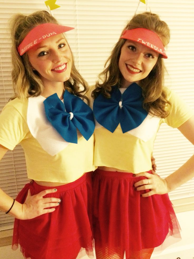 Tweedle Dee and tweedle dum cute Halloween costume
