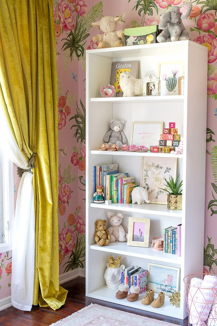 Best 25 wallpaper bookshelf ideas on pinterest gold for Kids room shelves