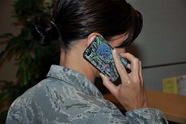 cell-phone.jpg (600×400)