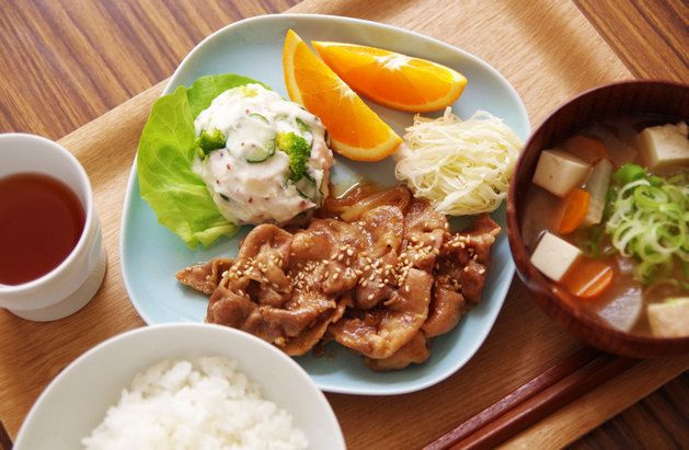 Pork Shogayaki - Thinly sliced pork cooked in a ginger-soy sauce 豚の生姜焼き